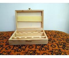 Fenyőfa tároló doboz