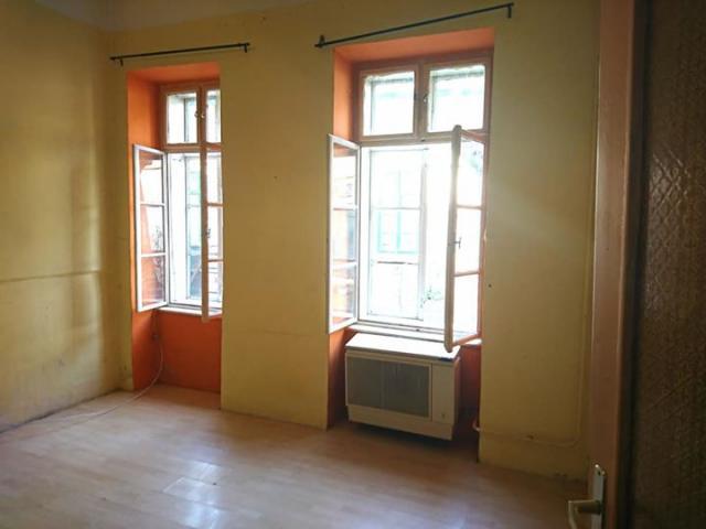 Eladó 36m2 Óbudai lakás, tulajdonostól!